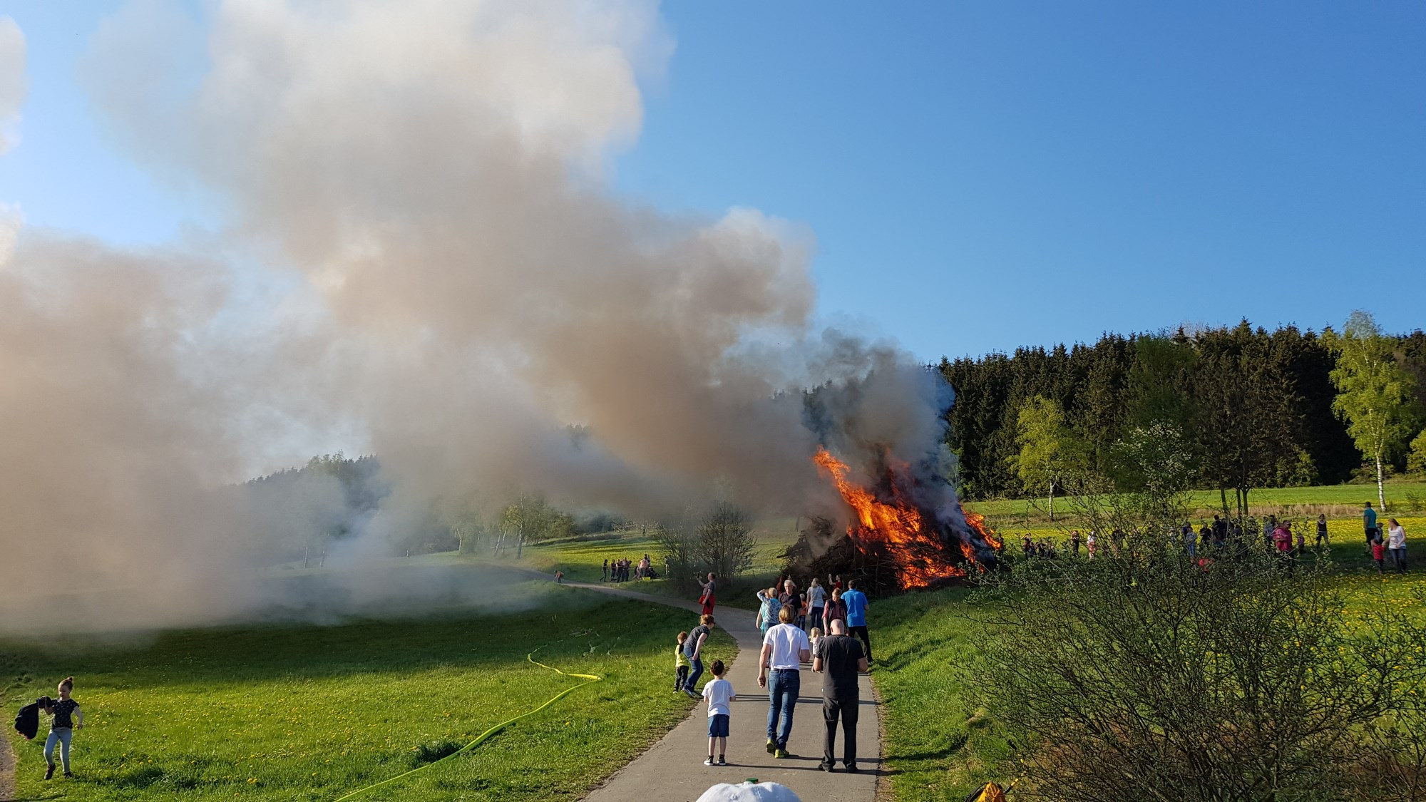 Osterfeuer Panorama